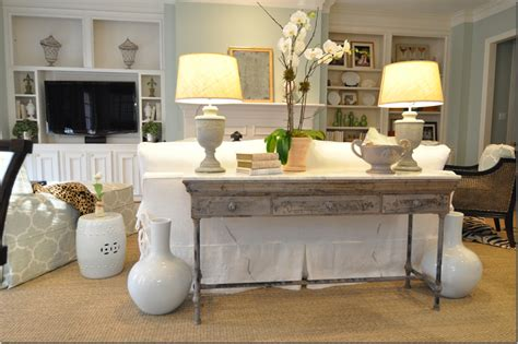 how to decorate a sofa table decorating sofa table behind couch decorating console