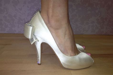Most Comfortable Designer Heels by 1000 Ideas About Designer Wedding Shoes On