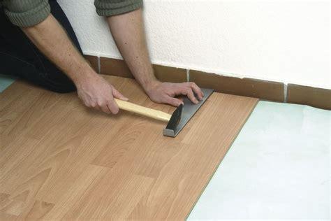 come posare un pavimento in laminato in cosa consiste la posa incollata quali sono le