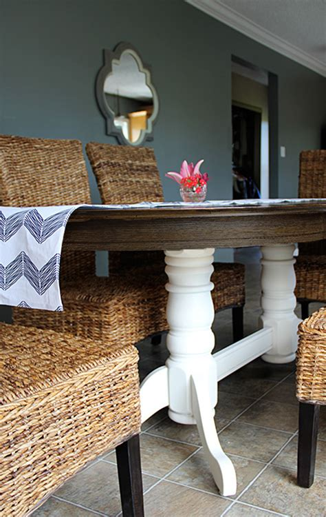 Refinish Oak Kitchen Table by Refinish A Dining Table Diy Style