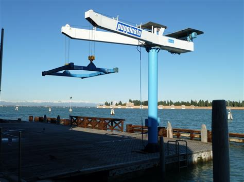 econo lift boat lift reviews all about boat lifts tech livewire