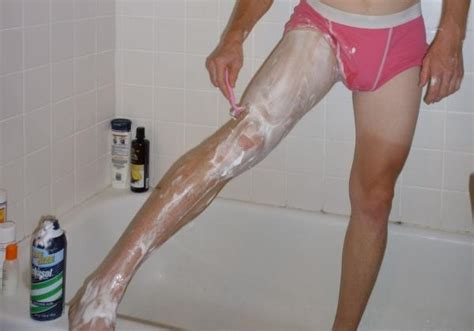 males wo shave other males girls do you like it when guys shave and wax their body