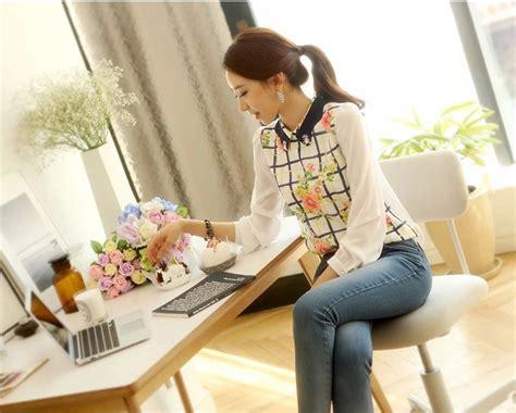 Blouse Wanita Bahan Katun Blouse Bunga Bunga Cantik blouse wanita motif bunga cantik model terbaru jual murah import kerja