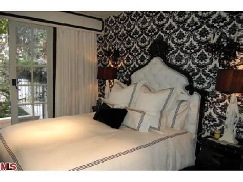 paris hiltons bedroom i need some space 1467 n kings road aka paris hilton s