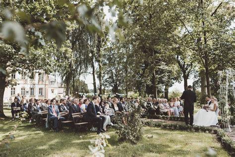 Hochzeit Im Garten by Romantische Gartenhochzeit In Schloss J 228 Gersburg