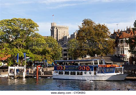 thames river cruise maidenhead windsor and maidenhead stock photos windsor and