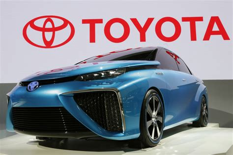 what is a model car toyota vows fuel cell model car by 2015 island