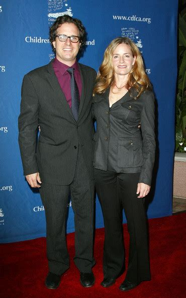 elisabeth shue children elisabeth shue s married life with davis guggenheim know