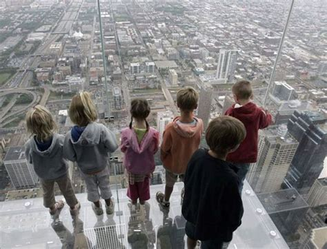 Glass Floor Building Chicago by Amazing Balconies Of Willis Tower Chicago