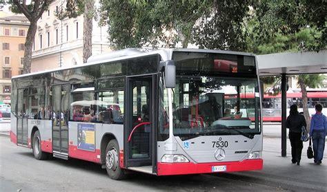 autobus porte di roma roma fa schifo perch 233 roma ha i con tre porte mentre