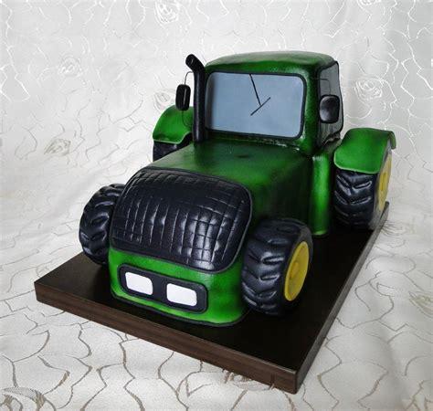 Hochzeitstorte Traktor by Helenes Tortenwelt