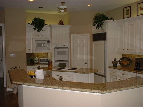 New Venetian Gold Countertops by Pictures Of New Venetian Gold Granite Countertops Images