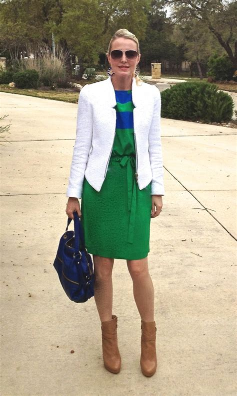 what to wear with green dress cobalt blue bag green
