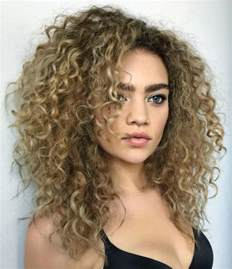 can you a feathered cut for thick curly hair 17 best ideas about layered curly hair on pinterest
