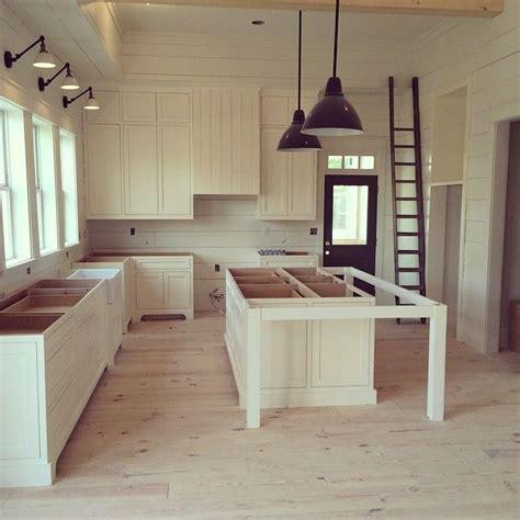Farmhouse Island Kitchen best 25 farmhouse kitchen island ideas on pinterest