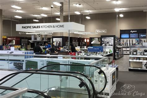 Bestbuy Ca Gift Card - inside the renovated best buy santana row in san jose ca