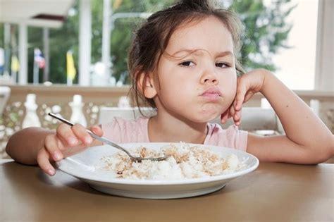 Minyak Makan khasiat minyak ikan salmon vitamin anak untuk kecerdasan otak