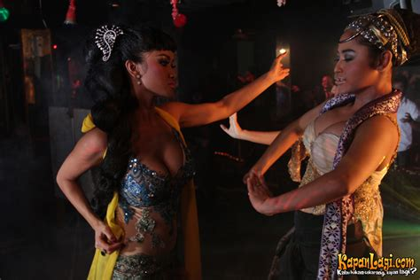 adegan hot film horor indonesia terbaru hanung bramantyo film horor indonesia tak pernah kering
