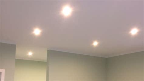 spots decke led spots einbaustrahler selbst in der decke einbauen