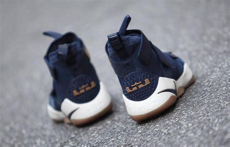 Sepatu Basket Nike Lebron Zoom Soldier 11 Cavs the nike lebron zoom soldier 11 cavs arrives this month kicksonfire