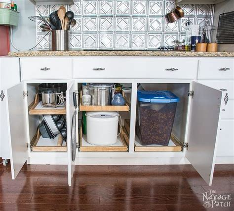 Kitchen Cabinet Slide Out Shelf by 17 Best Ideas About Slide Out Shelves On Pinterest Under