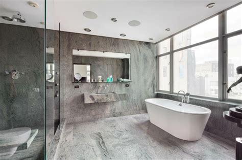 badezimmer kacheln graue fliesen f 252 rs badezimmer 61 bilder die sie