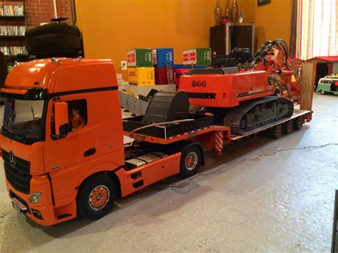 truck rc rc truck trailer delivering 944 rc excavator with brixl