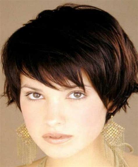 model rambut yang diwarnai model rambut pendek wanita terbaru yang bisa anda tiru