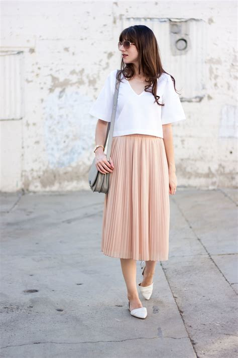 blush pleated midi skirt link up and a teacup
