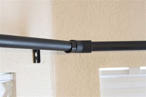 bedroom curtain rod best 25 bay window bedroom ideas on pinterest bay
