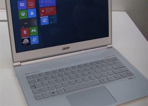 Laptop Acer Lung acer th豌譯ng v盻 gi蘯 m 17 9 h 236 nh trong ng 224 y vi盻 b 225 o
