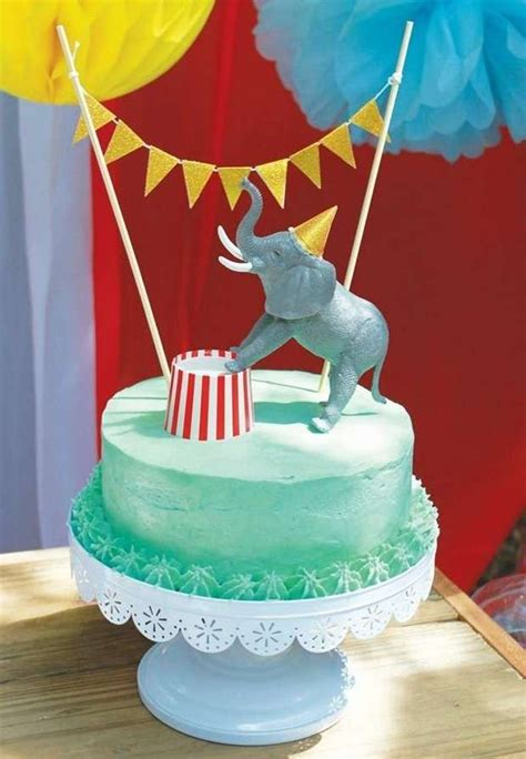carnival themed cakes best 20 circus birthday cakes ideas on pinterest