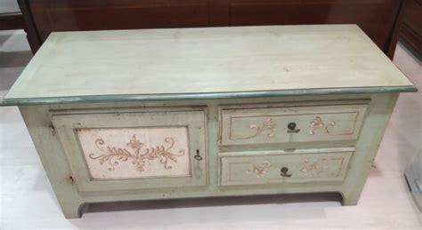 credenza stile shabby credenza stile shabby chic in legno massello decorato