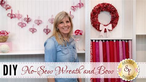 diy no sew wreath bow with jennifer bosworth of shabby fabrics shabby fabrics on youtube