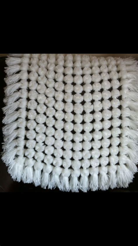 how to knit pom pom blanket 8 best images about pom pom blankets made on looms on