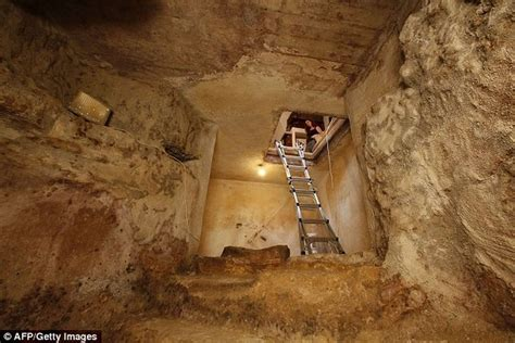 The Room Found by 2000 Year Ritual Bath Discovered In Jerusalem