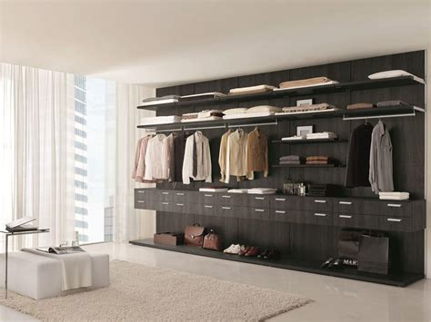 Closets By Design Ta by Walk In Closet Ideal For Modern Bedrooms Idfdesign