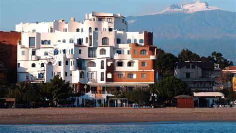 villa athena giardini naxos sporting baia villa athena w giardini naxos sycylia