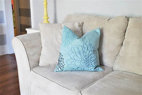 clean sofa with vinegar 11 best images about household tricks on pinterest