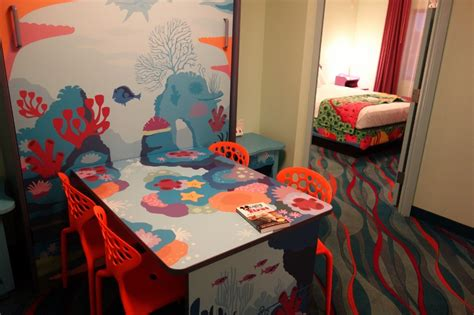 art of animation resort family suite floor plan photo tour of a finding nemo family suite at disney s art