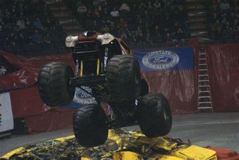 monster truck show albany ny albany ny monster jam january 20 2012 allmonster