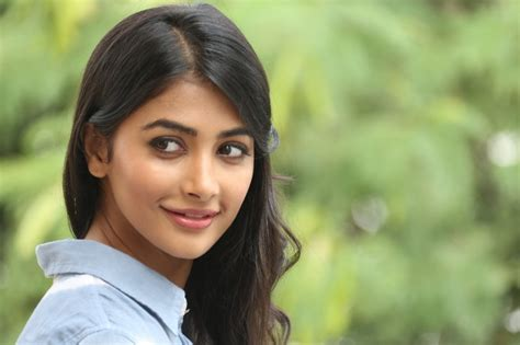 actress name of dj movie pooja hegde to do an item number in ram charan sukumar s