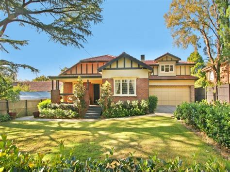 Australian Cottage Designs by Cottage Garden Design Using Grass With Verandah Cubby