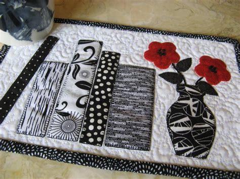 pattern quilted mug rug bookshelf mug rug by 2strings craftsy