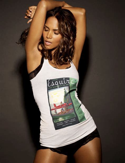 Halle Berry And Damn In Esquire Egotastic by Halle Berry Es La Mujer Viva M 225 S Mundo Seg 250 N