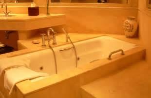 Build A Bathtub File Hotel Suite Bath Tub Jpg Wikimedia Commons