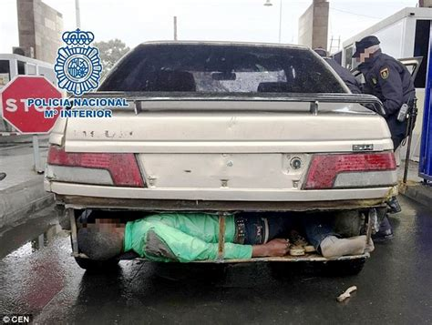 find pictures of cars border discovered three illegal immigrants