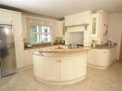 cream kitchen cabinets small white kitchen ideas cream kitchen design ideas kitchen ideas