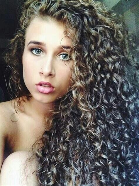 naturally curly hair white women different types of curly hair 13 fashion trend