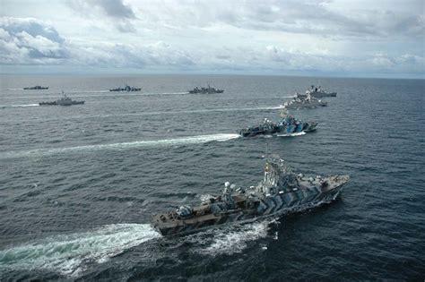 gambar tni indonesia kapal perang tni